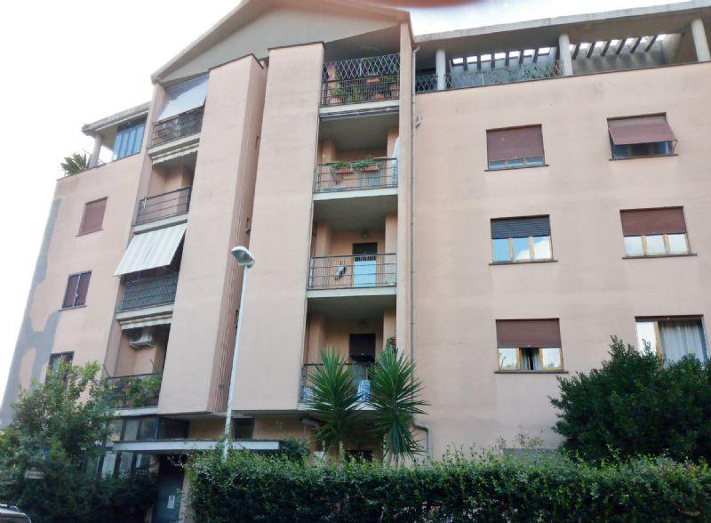 Appartamento in affitto a Velletri, 6 locali, prezzo € 600 | Cambio Casa.it