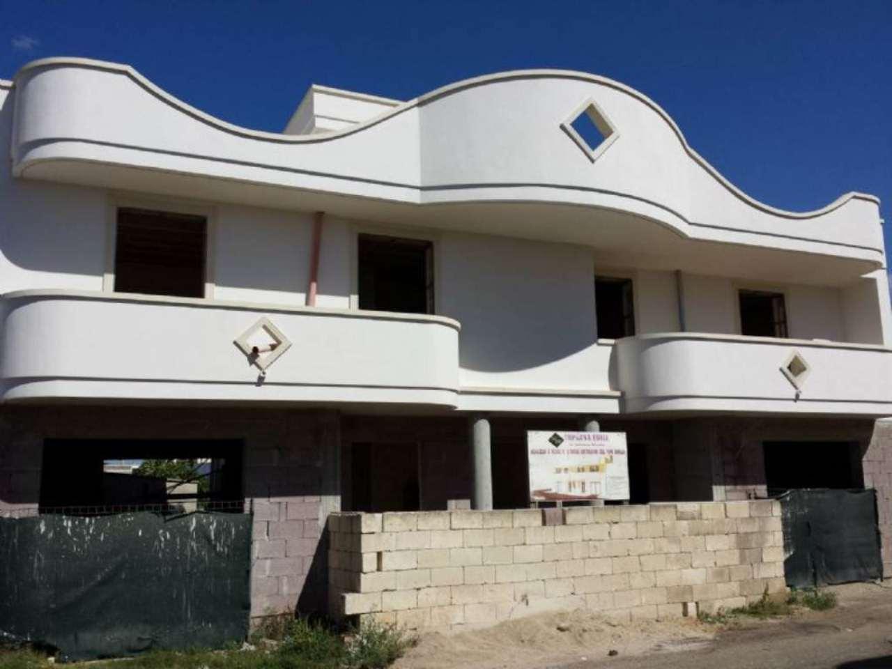 Villa in vendita a Copertino, 4 locali, prezzo € 185.000   CambioCasa.it