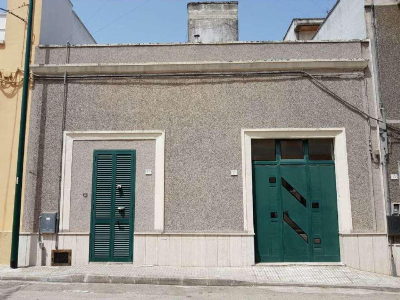 Soluzione Indipendente in vendita a Copertino, 4 locali, prezzo € 70.000 | CambioCasa.it