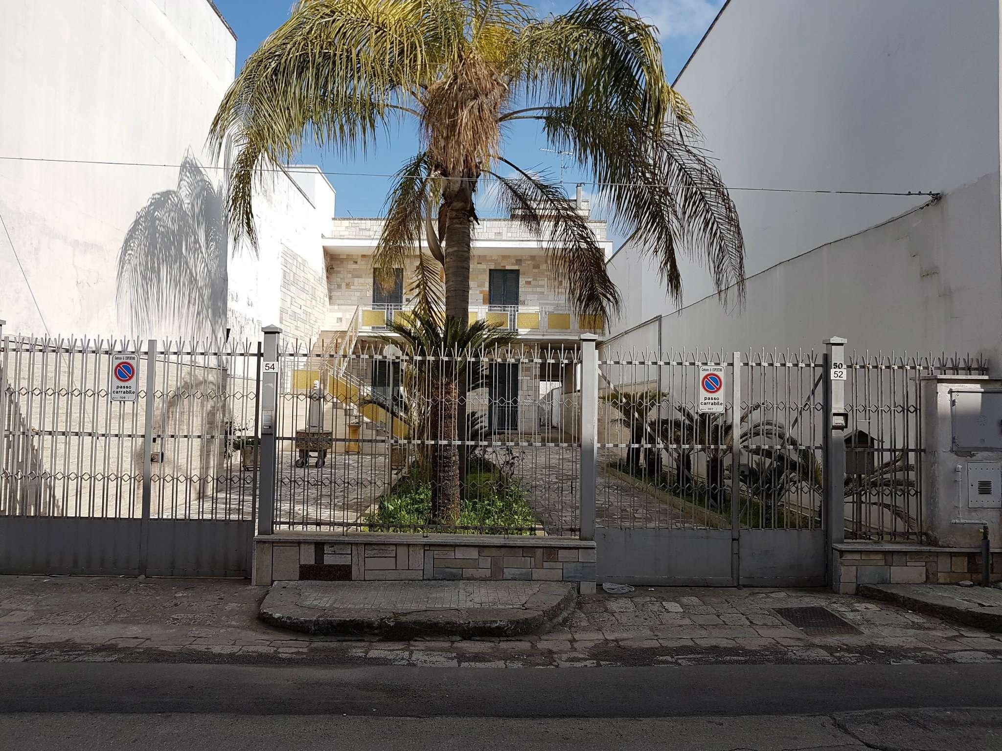 Palazzo / Stabile in vendita a Copertino, 12 locali, prezzo € 340.000 | CambioCasa.it