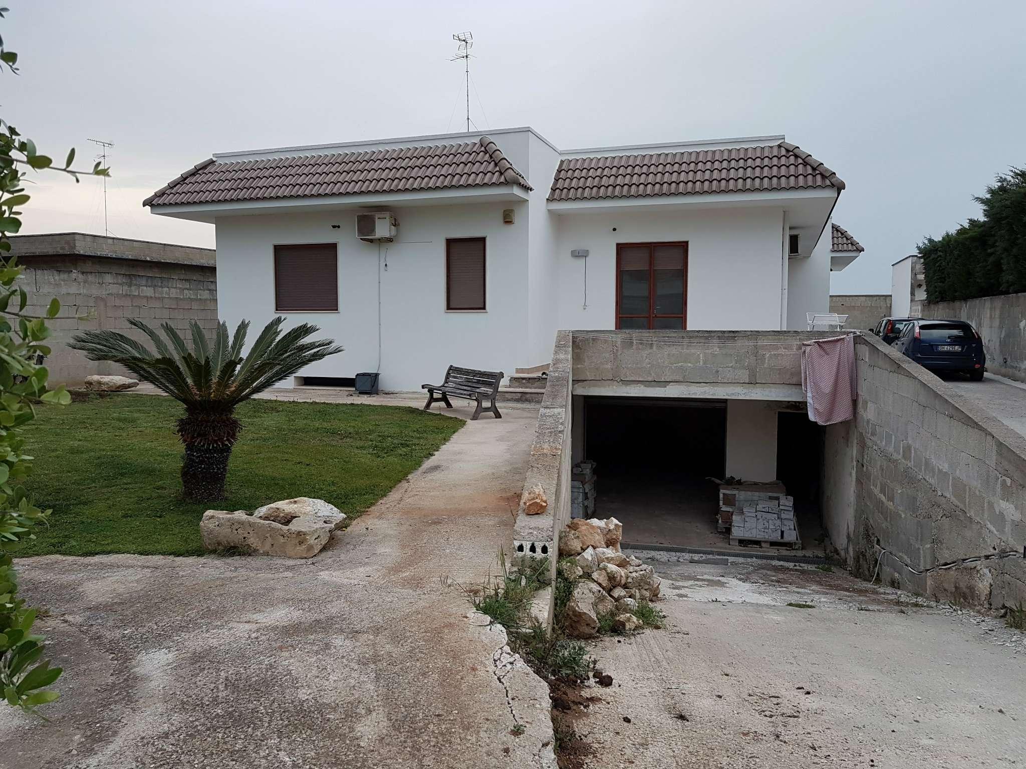 Villa in vendita a Lecce, 5 locali, prezzo € 375.000 | CambioCasa.it