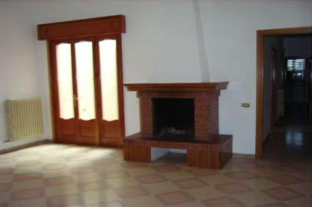 Appartamento in vendita a Copertino, 4 locali, prezzo € 63.000 | Cambio Casa.it