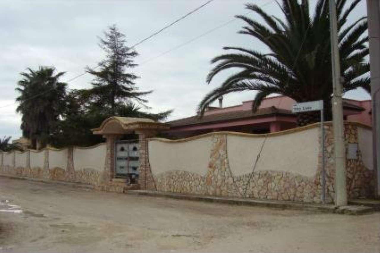 Villa in vendita a Copertino, 4 locali, prezzo € 330.000   CambioCasa.it