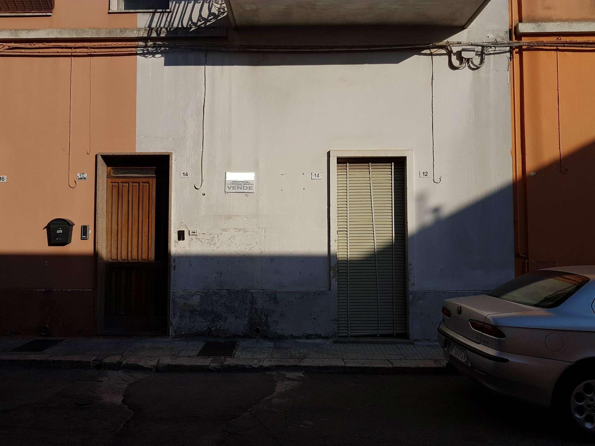 Soluzione Indipendente in vendita a Copertino, 4 locali, prezzo € 37.000 | CambioCasa.it