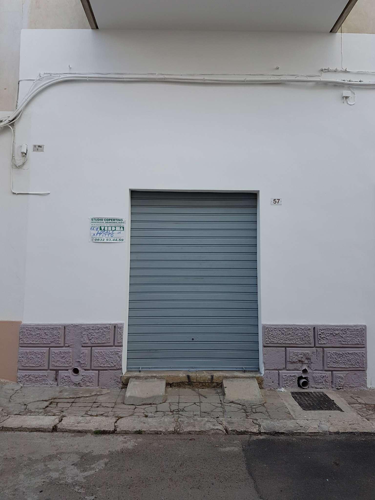 Laboratorio in affitto a Copertino, 3 locali, prezzo € 380   CambioCasa.it
