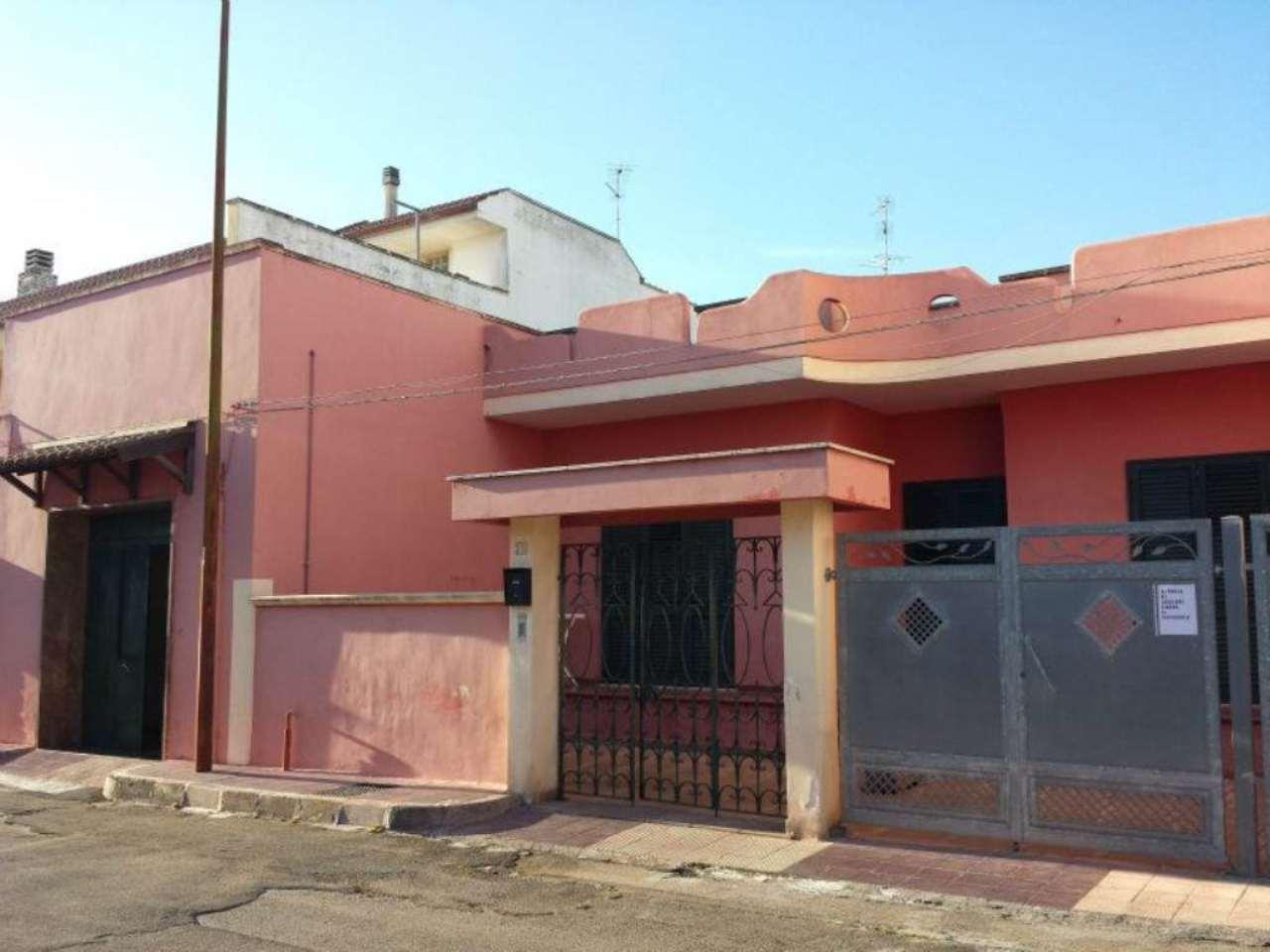 Villa in vendita a Copertino, 5 locali, prezzo € 178.000   CambioCasa.it