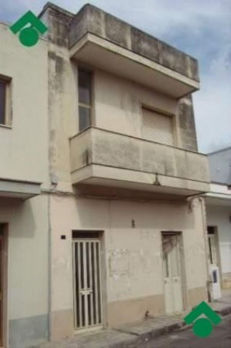 Palazzo / Stabile in vendita a Copertino, 9999 locali, prezzo € 96.000 | CambioCasa.it