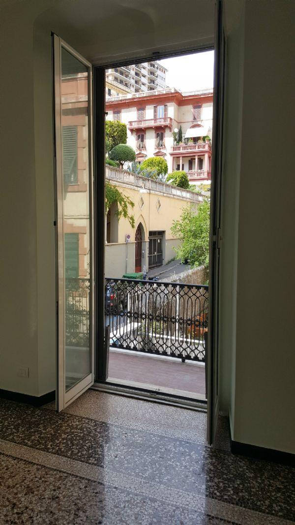 Appartamento in Affitto a Genova Centro: 5 locali, 190 mq