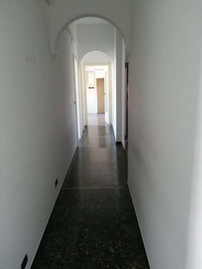 Appartamento in Affitto a Genova Periferia: 5 locali, 75 mq