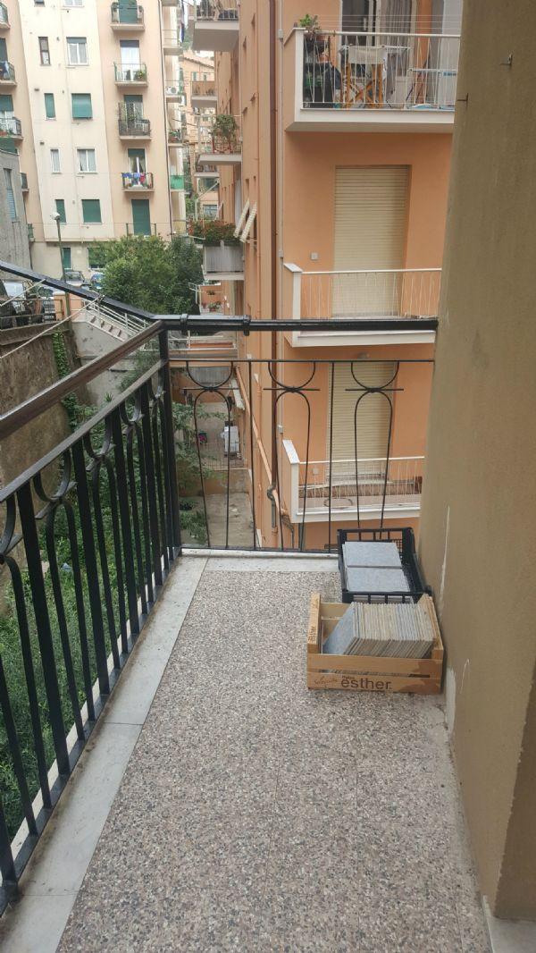 Bilocale Genova Via Montello 9