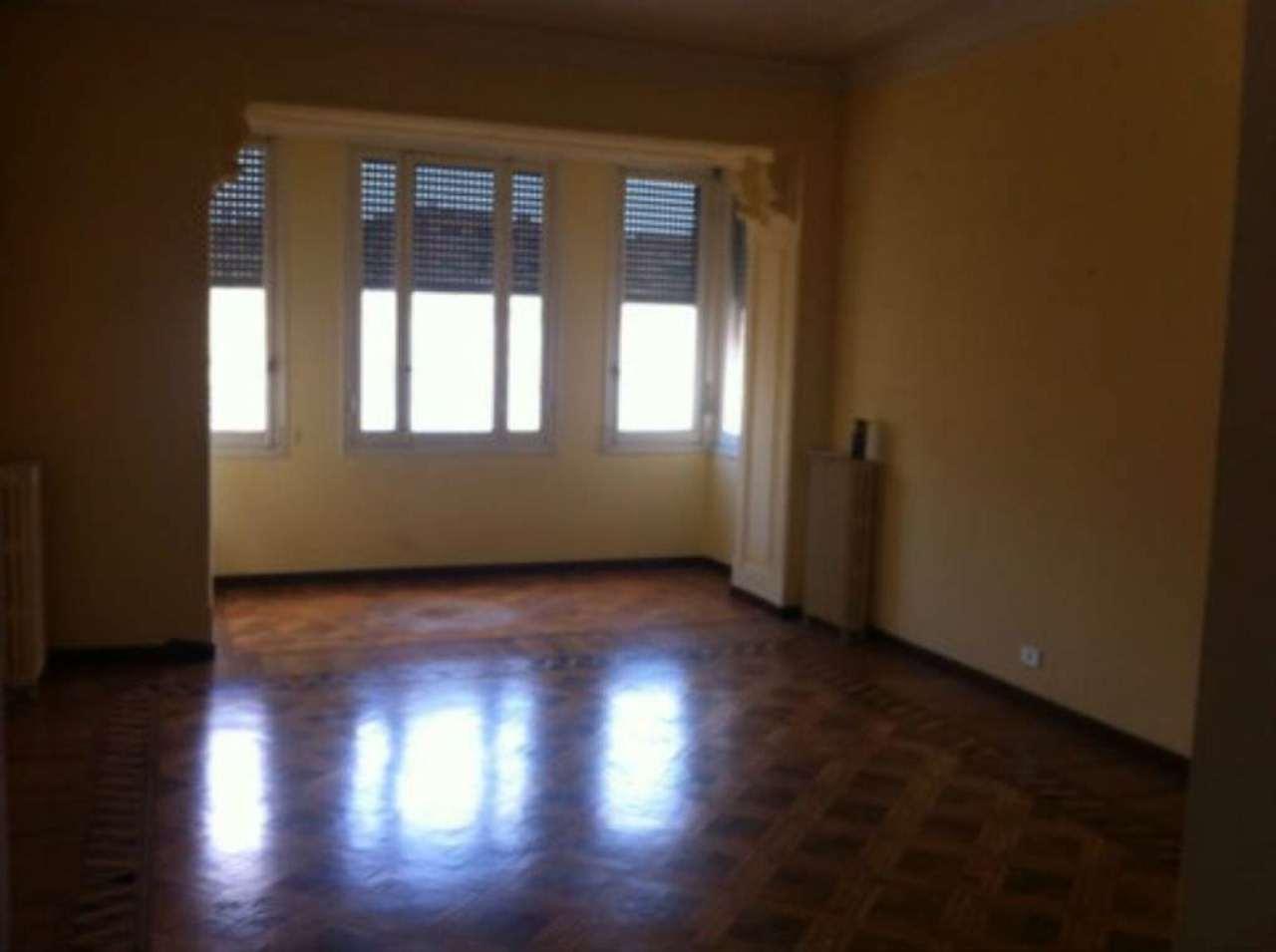 Appartamento in Affitto a Genova Centro: 5 locali, 170 mq