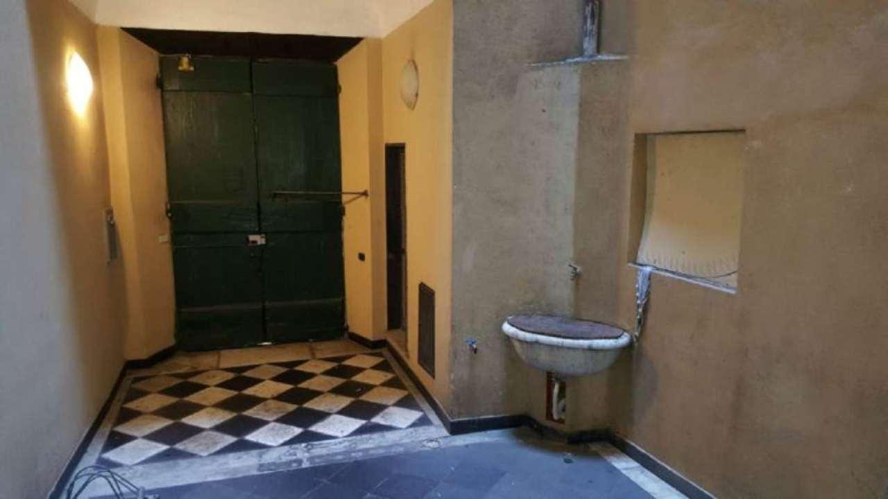 Bilocale Genova Via Della Posta Vecchia 12