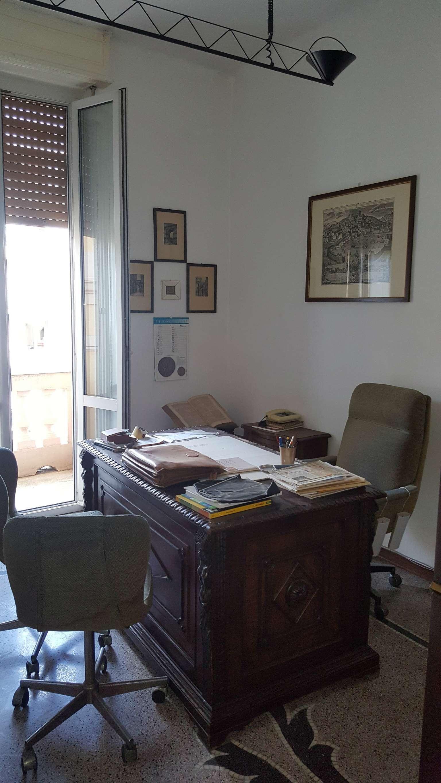 Ufficio-studio in Affitto a Genova Centro: 4 locali, 75 mq