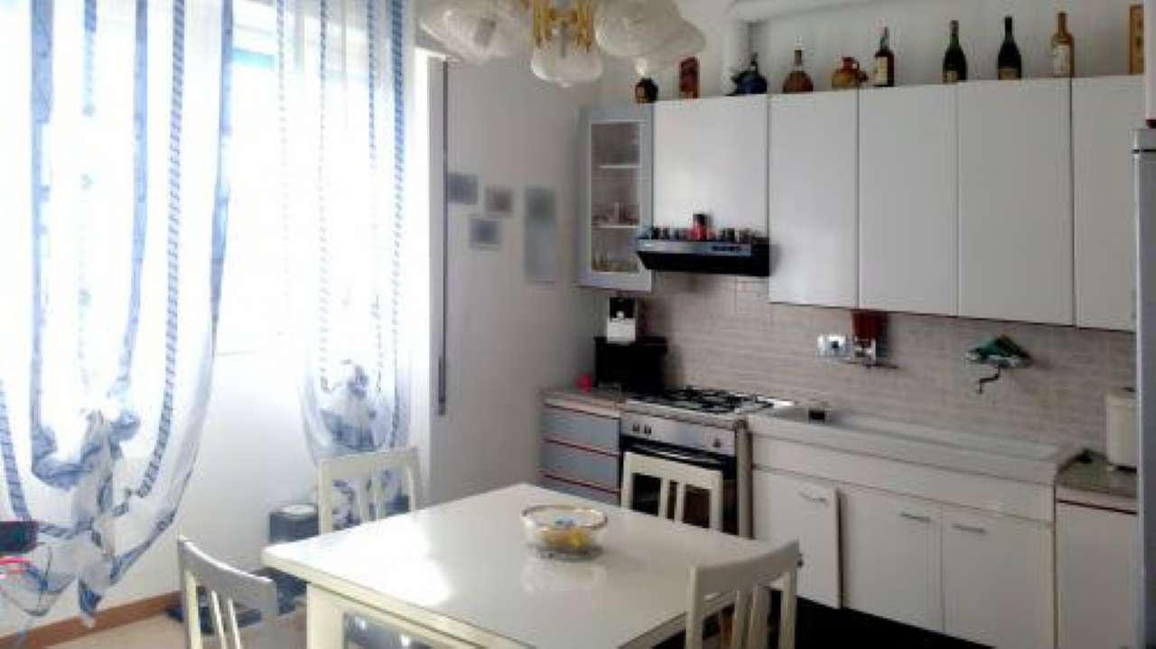 Appartamento in Vendita a Genova Periferia Ovest: 4 locali, 85 mq
