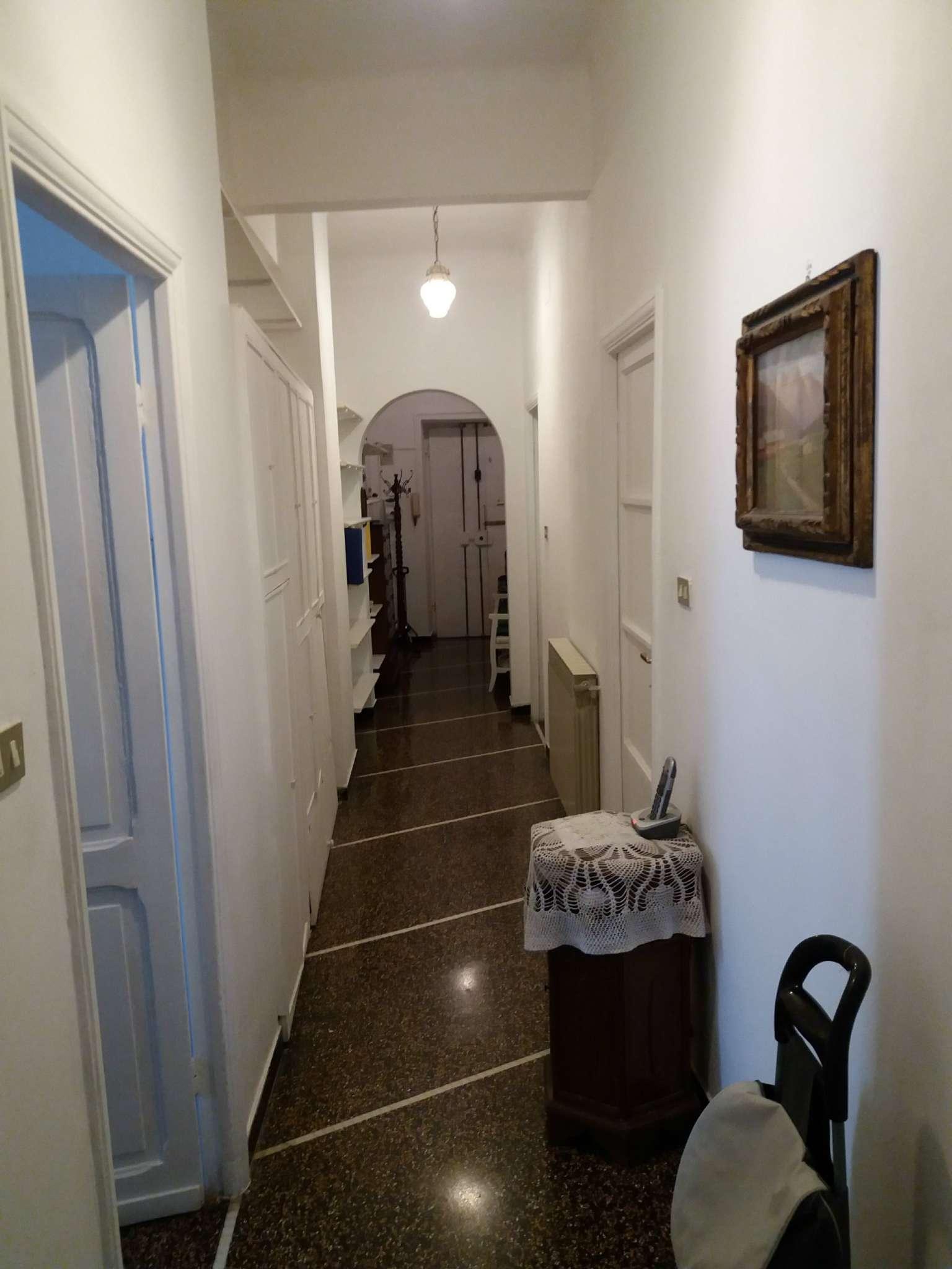 Appartamento in Affitto a Genova Centro: 3 locali, 100 mq