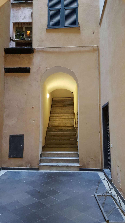 Appartamento in Affitto a Genova Centro: 3 locali, 70 mq