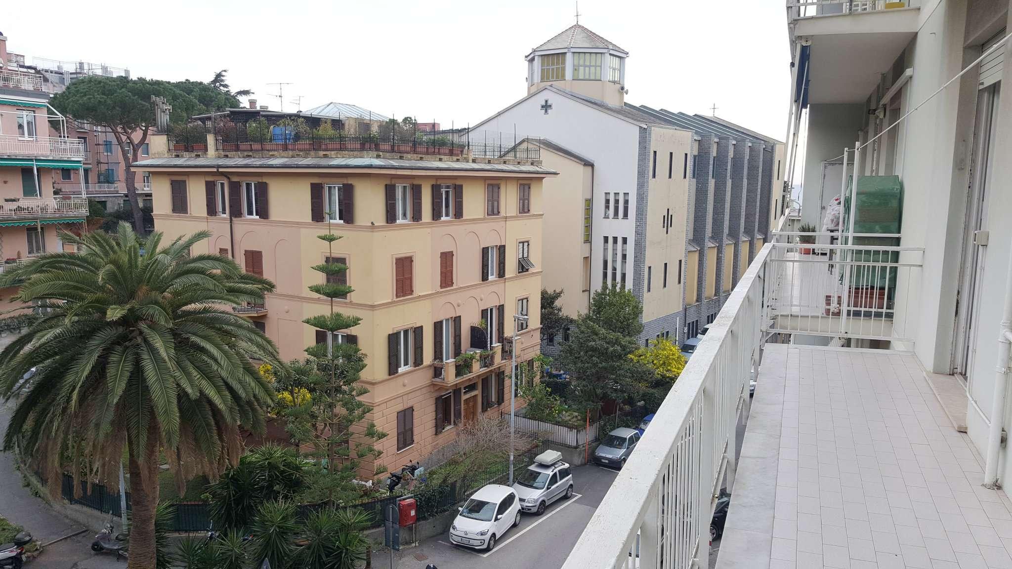 Appartamento in Affitto a Genova Semicentro Est: 3 locali, 90 mq