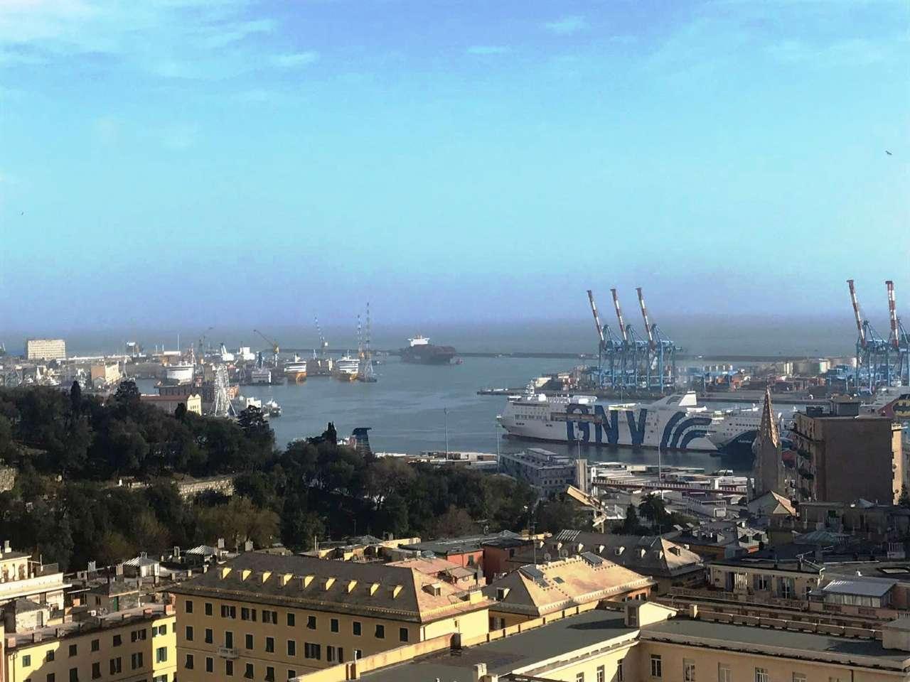 Appartamento in Affitto a Genova Semicentro Ovest: 4 locali, 80 mq