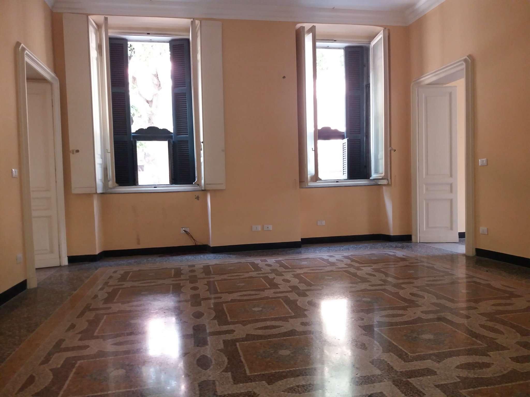 Foto 1 di Appartamento corso Magenta, Genova (zona Carignano, Castelletto, Albaro, Foce)