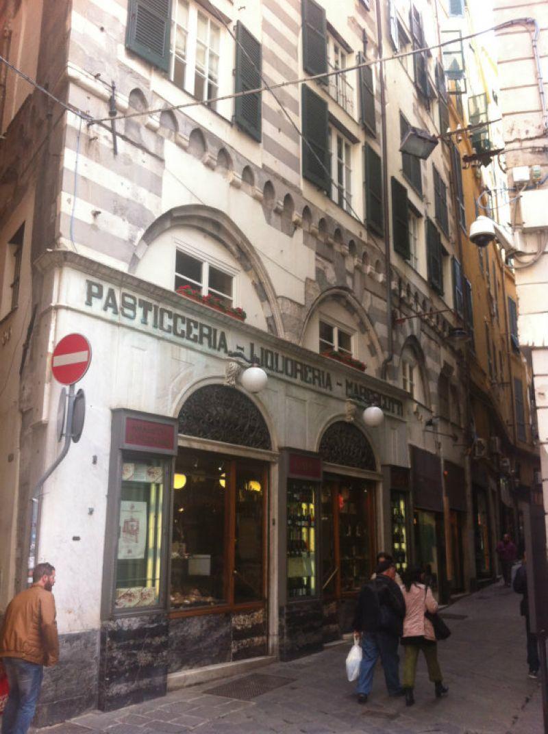 Bilocale Genova Salita San Siro 9