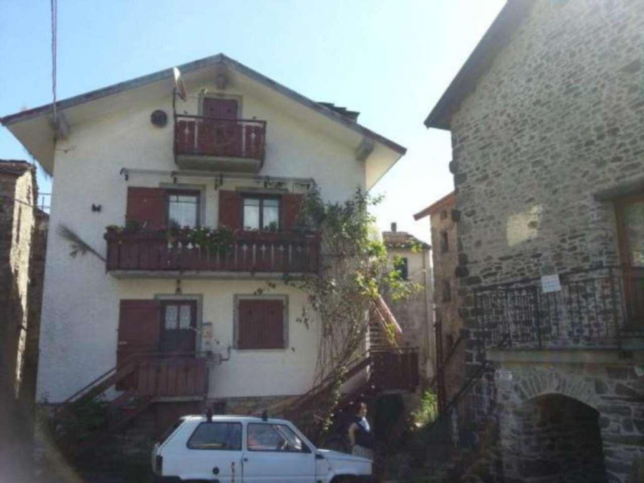 Appartamento in Vendita a Montebruno: 2 locali, 75 mq