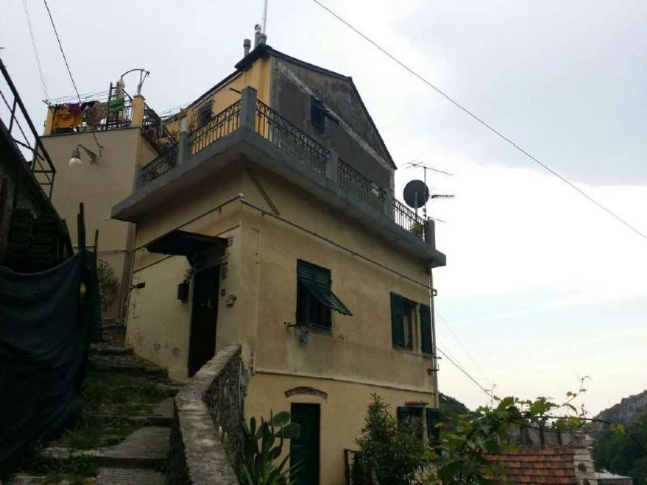 Appartamento in Vendita a Genova Periferia Ovest: 4 locali, 100 mq