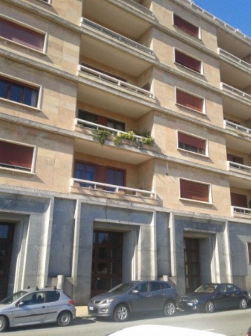 Appartamento in affitto a genova via mura di santa chiara for Case indipendenti affitto genova