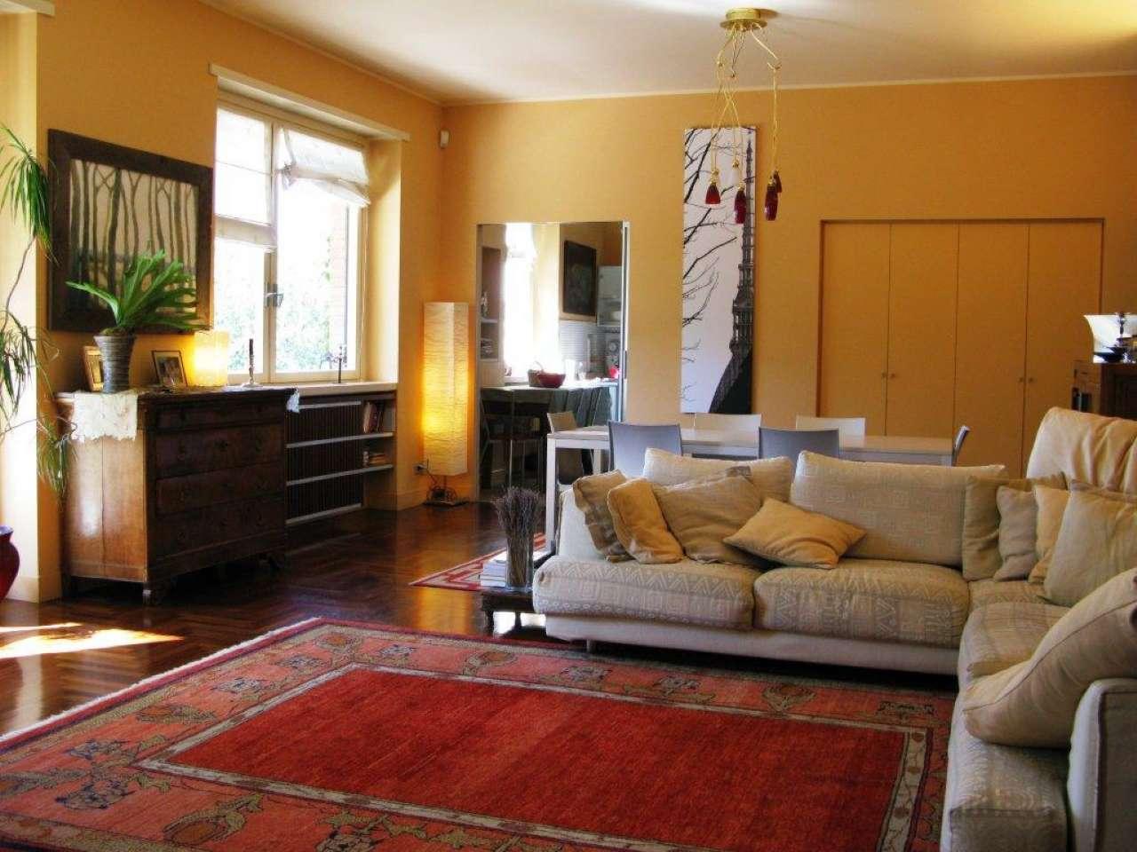 Foto 1 di Appartamento strada Val Salice, Torino (zona Precollina, Collina)