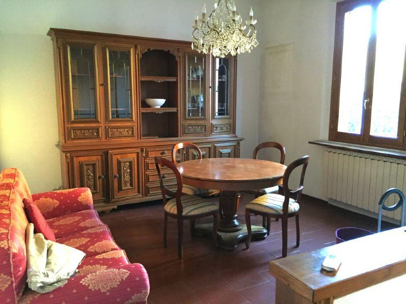 Palazzo / Stabile in vendita a Prato, 4 locali, prezzo € 260.000   Cambio Casa.it