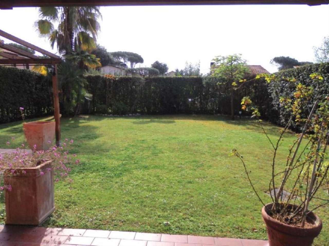 Soluzione Indipendente in vendita a Montignoso, 5 locali, prezzo € 600.000 | Cambio Casa.it