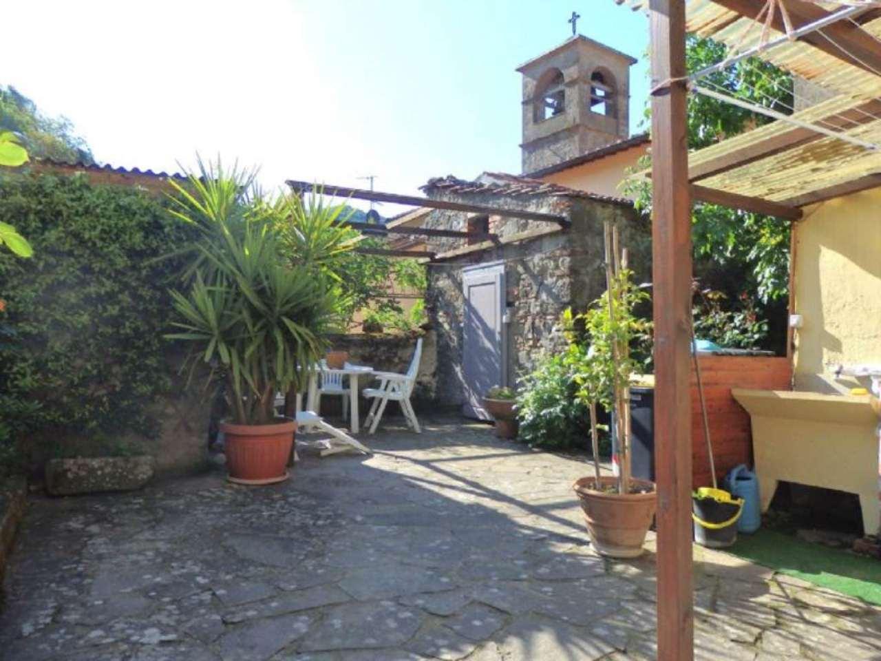 Palazzo / Stabile in vendita a Vernio, 8 locali, prezzo € 178.000 | Cambio Casa.it