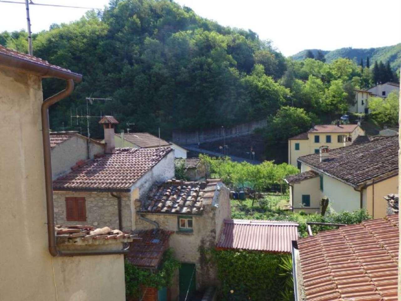 Appartamento in vendita a Vernio, 3 locali, prezzo € 80.000 | Cambio Casa.it