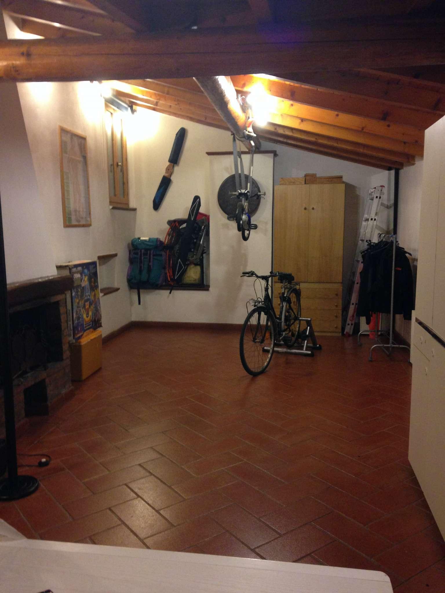 Palazzo / Stabile in vendita a Prato, 5 locali, prezzo € 179.000   CambioCasa.it