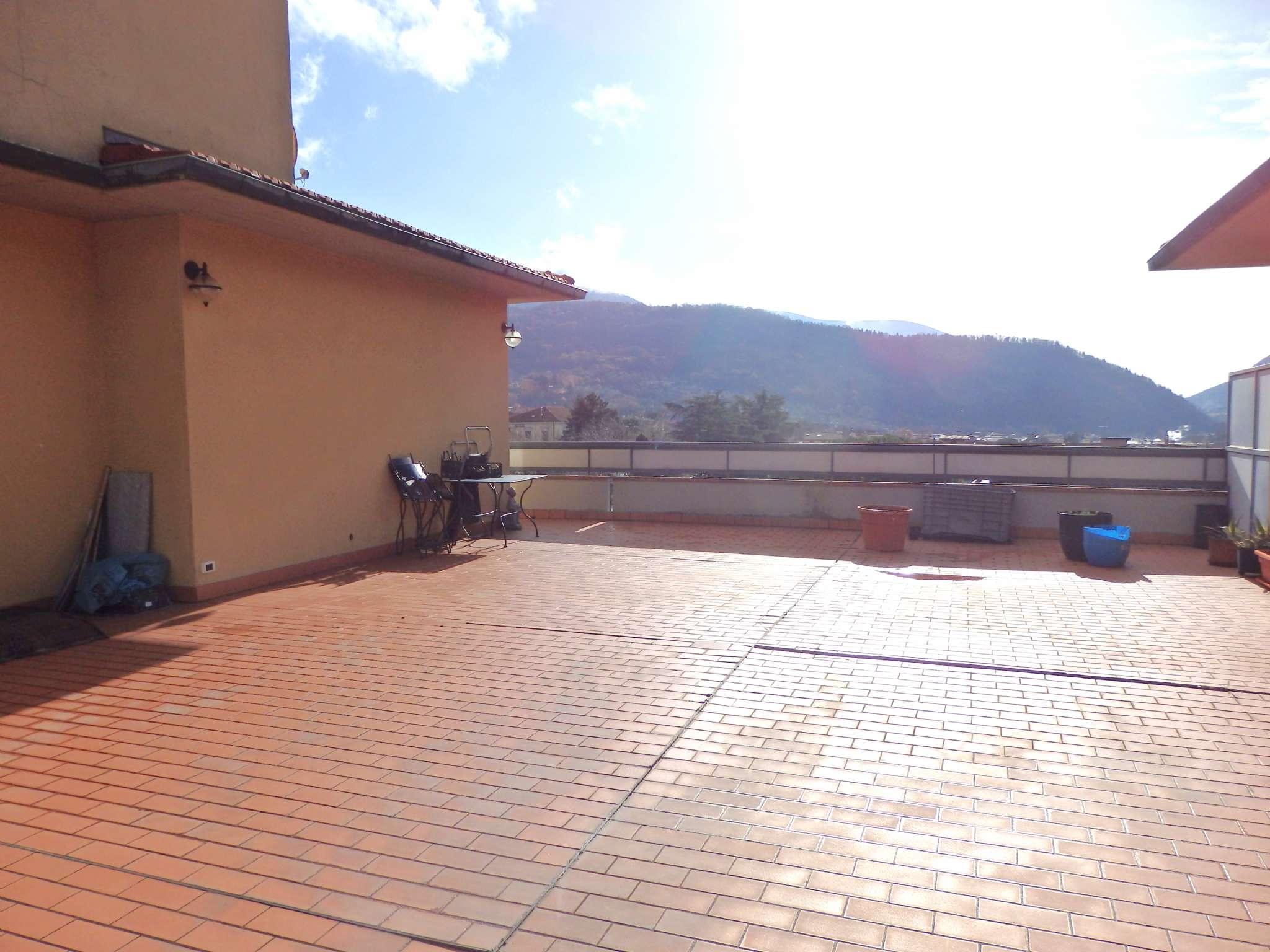 Attico / Mansarda in vendita a Vaiano, 6 locali, prezzo € 420.000 | CambioCasa.it
