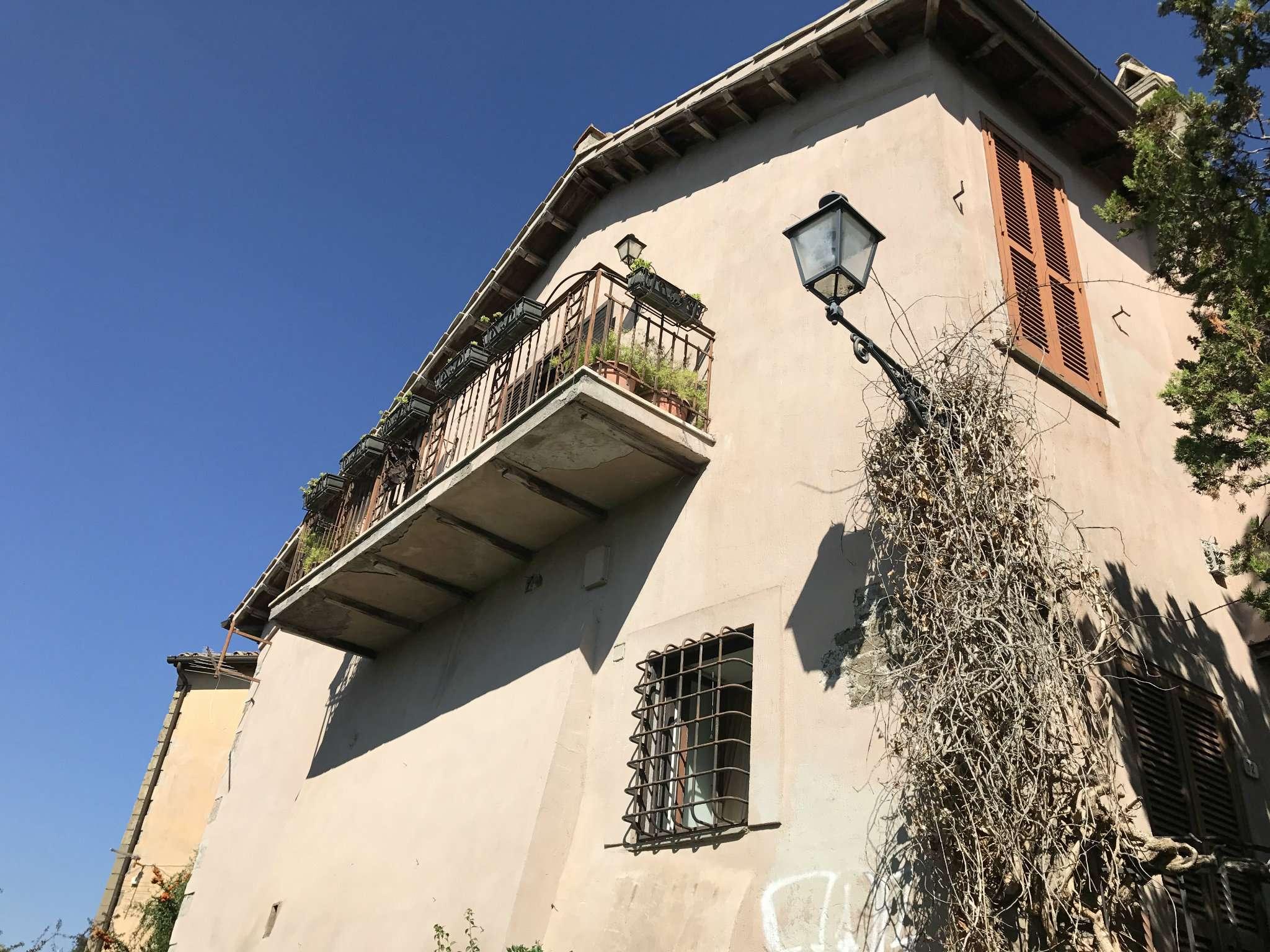 Soluzione Indipendente in vendita a Morlupo, 15 locali, prezzo € 600.000 | CambioCasa.it