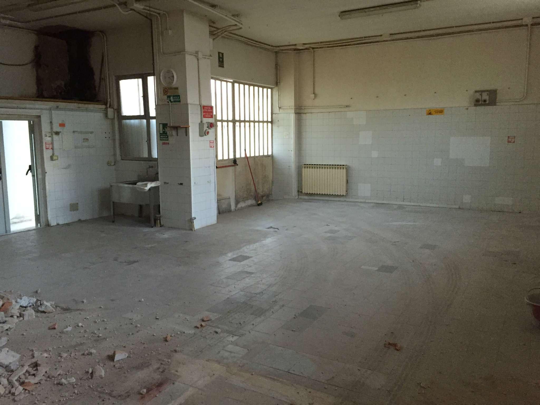 Laboratorio in affitto a Avigliana, 1 locali, prezzo € 500 | CambioCasa.it