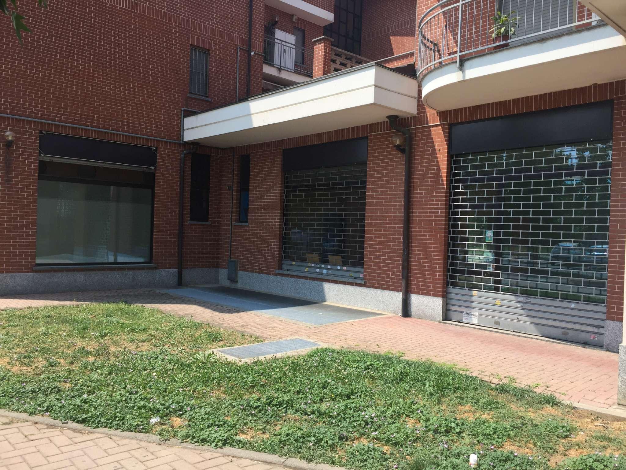 Negozio / Locale in affitto a Nichelino, 2 locali, prezzo € 450 | CambioCasa.it