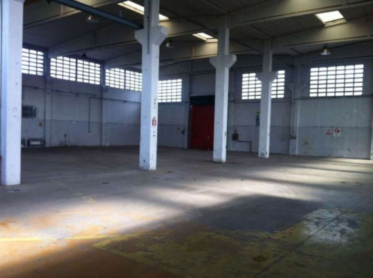 Capannone in affitto a Trofarello, 6 locali, prezzo € 3.000 | Cambio Casa.it