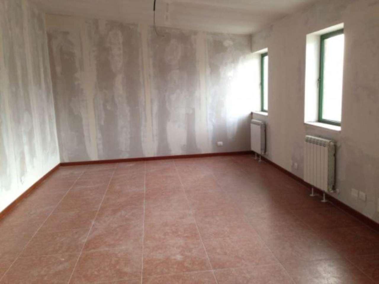 Ufficio / Studio in affitto a Moncalieri, 3 locali, prezzo € 250 | Cambio Casa.it