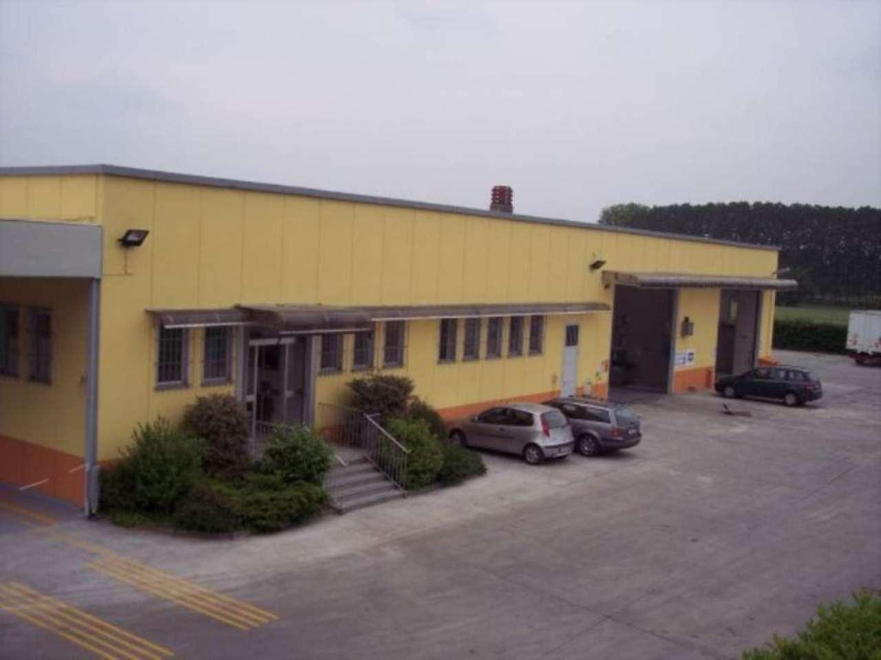 Capannone in vendita a Poirino, 6 locali, prezzo € 750.000 | CambioCasa.it