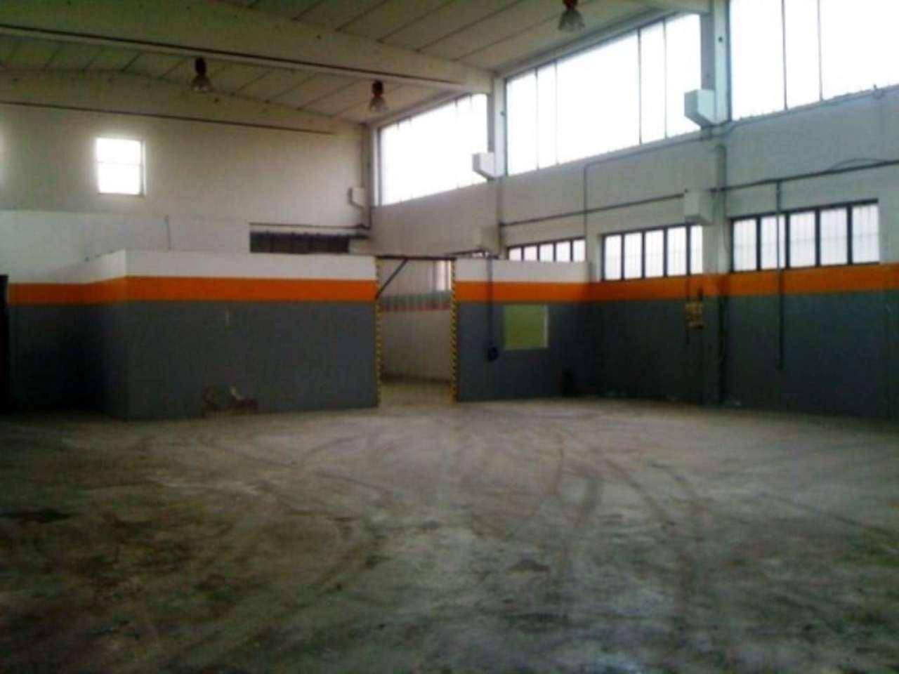 Capannone in affitto a Poirino, 6 locali, prezzo € 1.200 | CambioCasa.it
