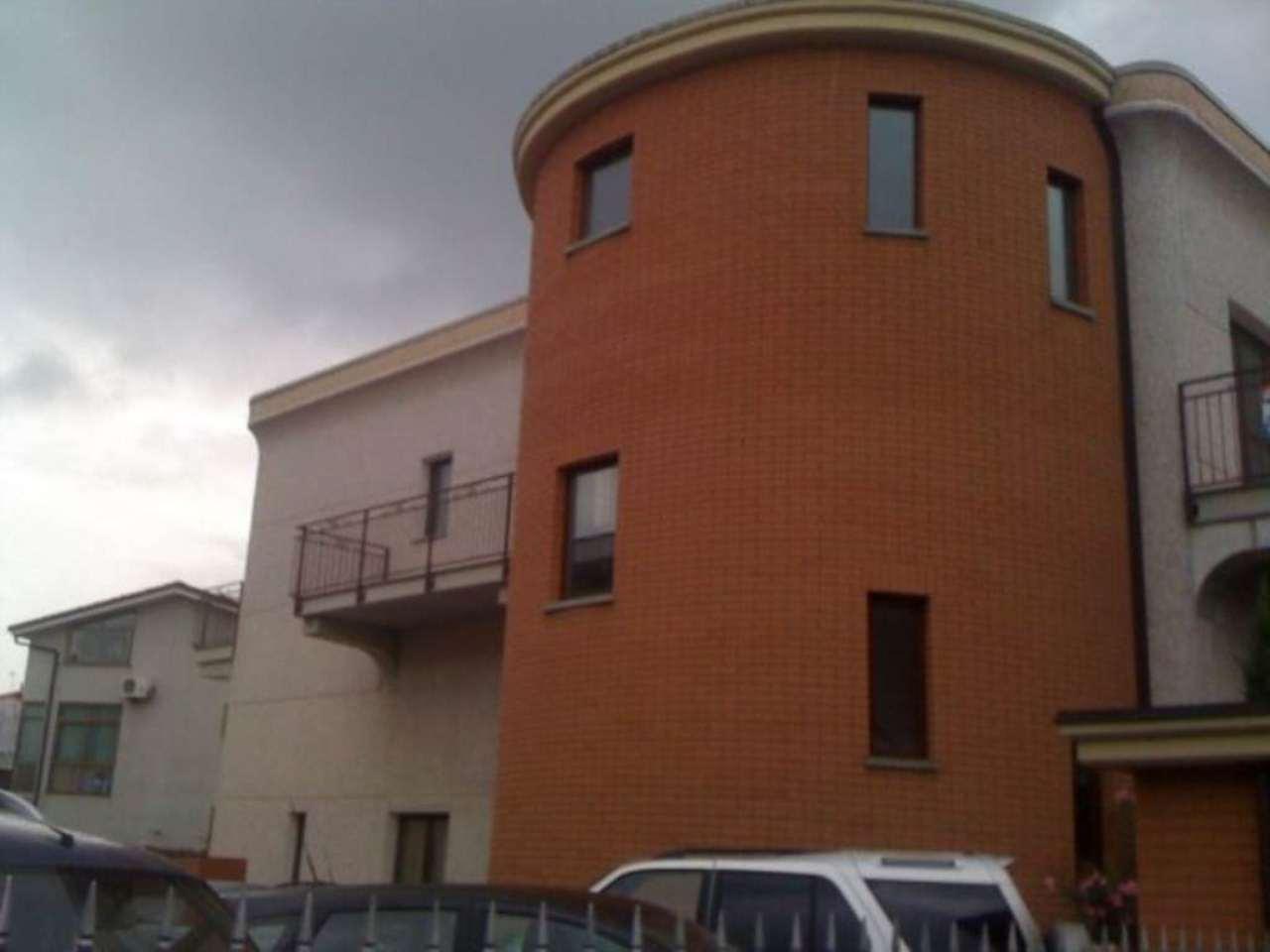 Ufficio / Studio in affitto a Nichelino, 5 locali, prezzo € 550 | Cambio Casa.it