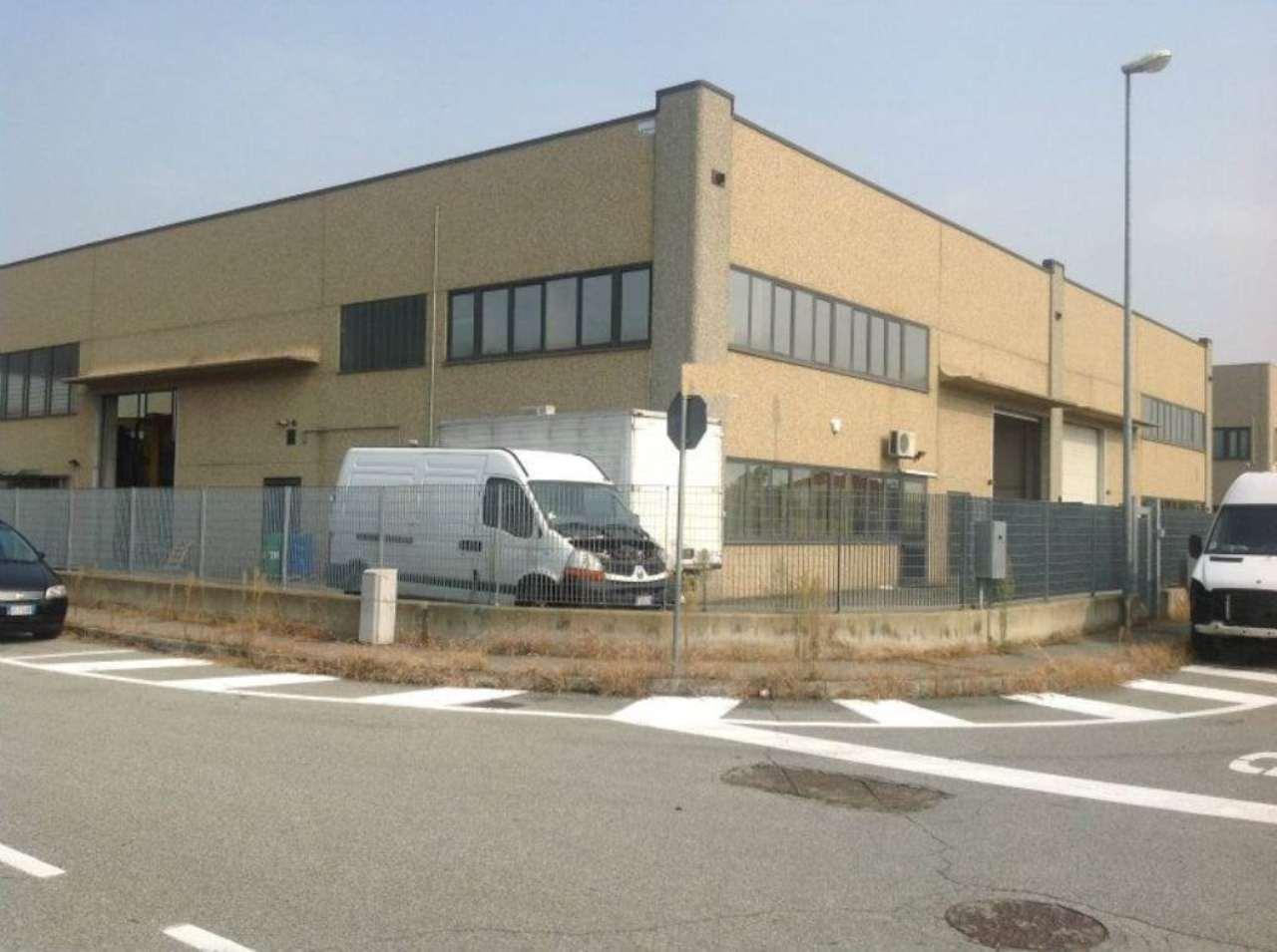 Capannone in affitto a Volvera, 4 locali, prezzo € 2.000 | Cambio Casa.it