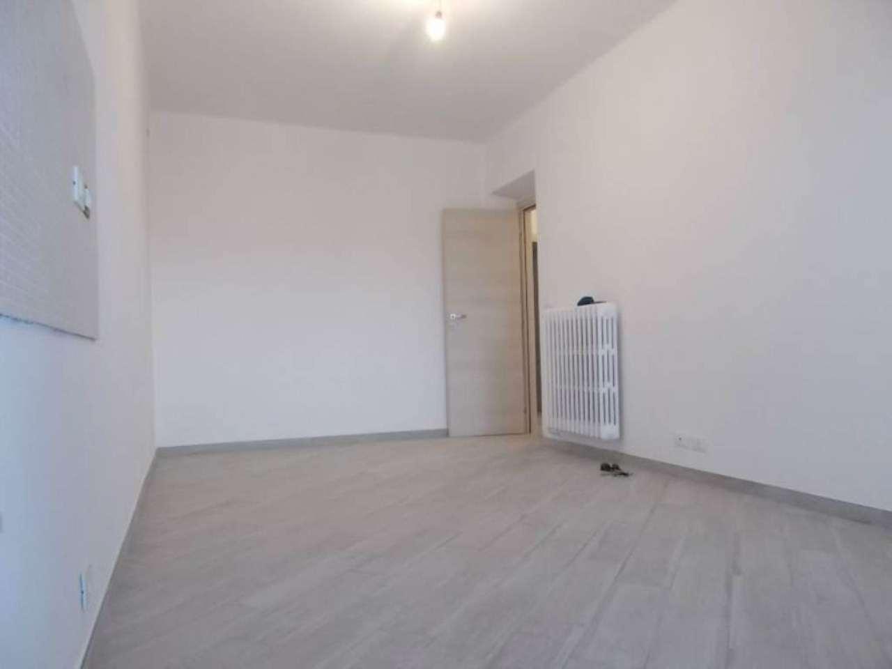 Appartamento in vendita a Moncalieri, 4 locali, prezzo € 145.000 | Cambio Casa.it