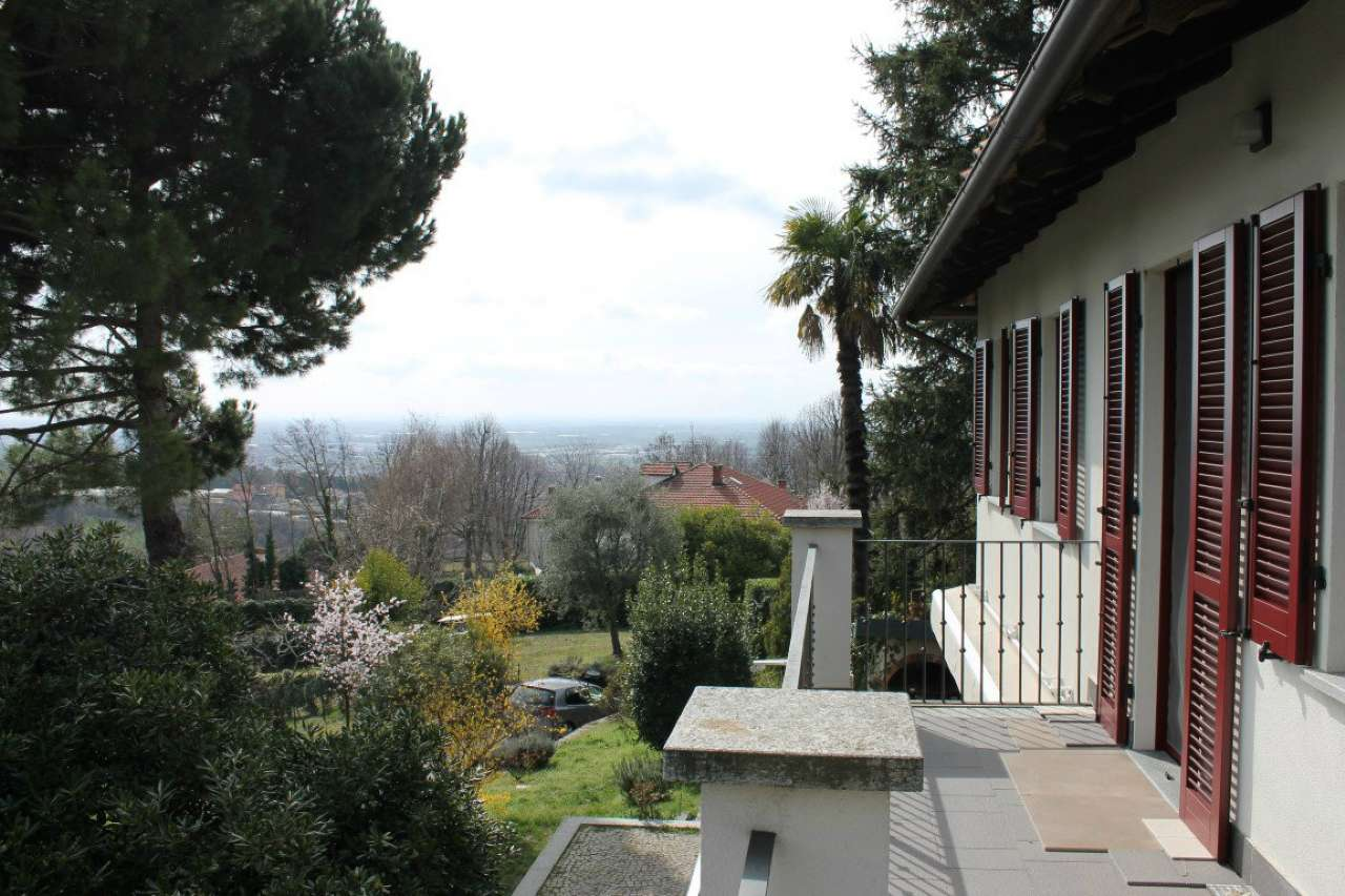 Foto 1 di Villa strada dei Manzi, Moncalieri