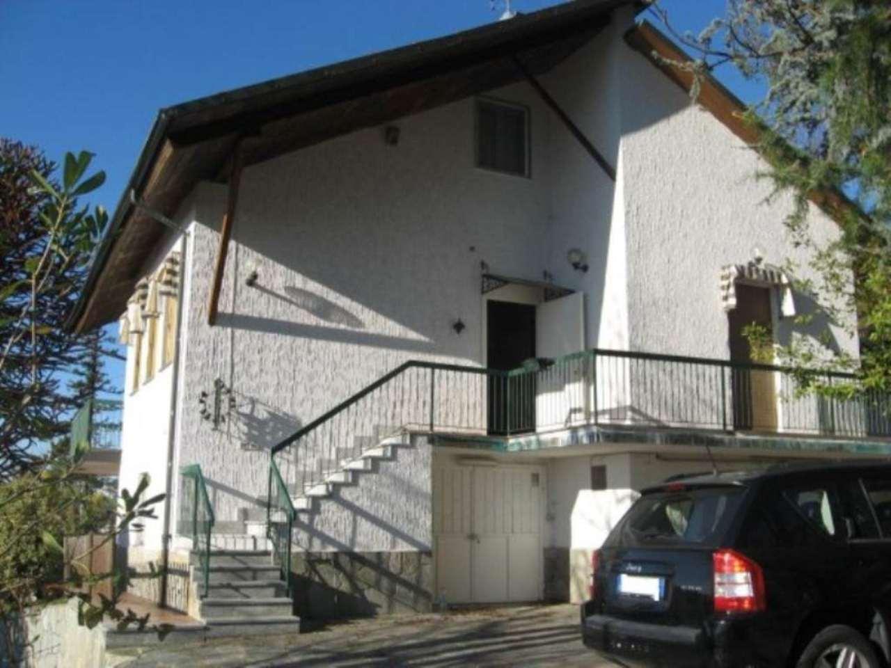 Villa in vendita a Albugnano, 6 locali, prezzo € 370.000   Cambio Casa.it