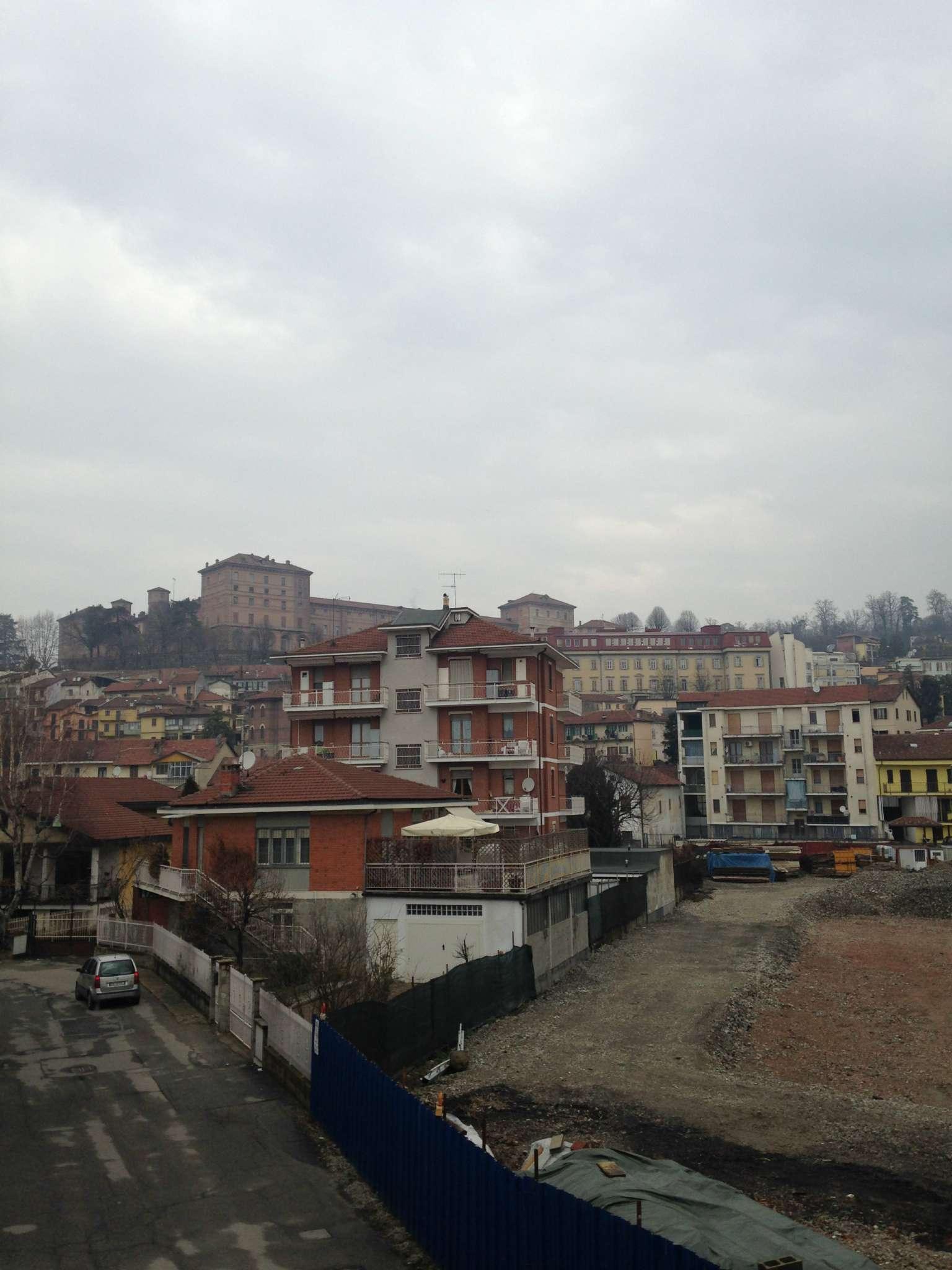 Soluzione Indipendente in vendita a Moncalieri, 10 locali, prezzo € 400.000 | Cambio Casa.it