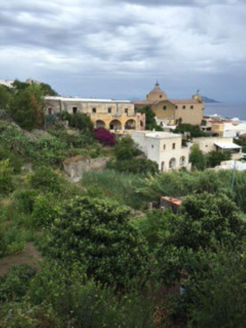 Villa in vendita a Santa Marina Salina, 10 locali, prezzo € 1.380.000 | Cambio Casa.it