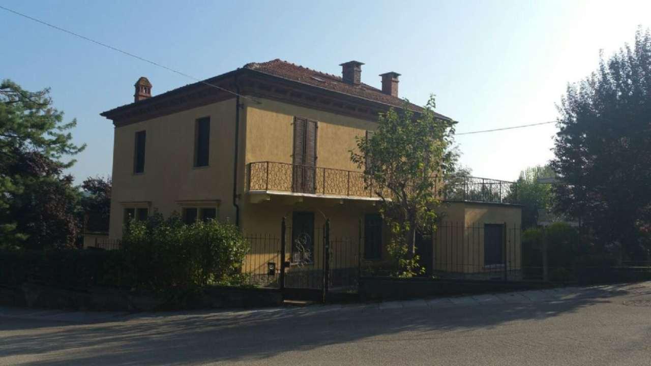 Villa in vendita a Villafranca d'Asti, 7 locali, prezzo € 170.000 | Cambio Casa.it