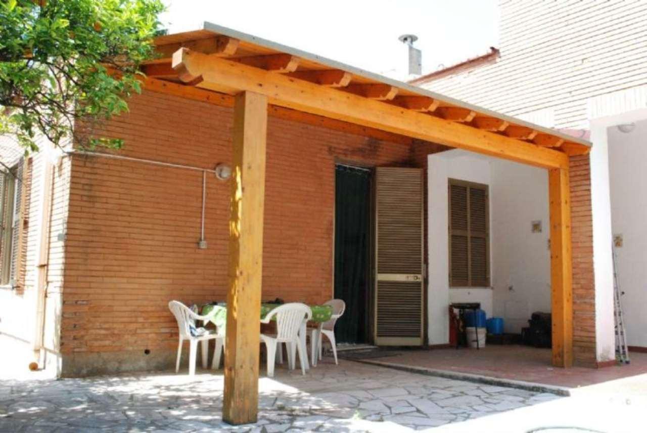 Soluzione Indipendente in vendita a Santa Marinella, 5 locali, prezzo € 220.000 | Cambio Casa.it